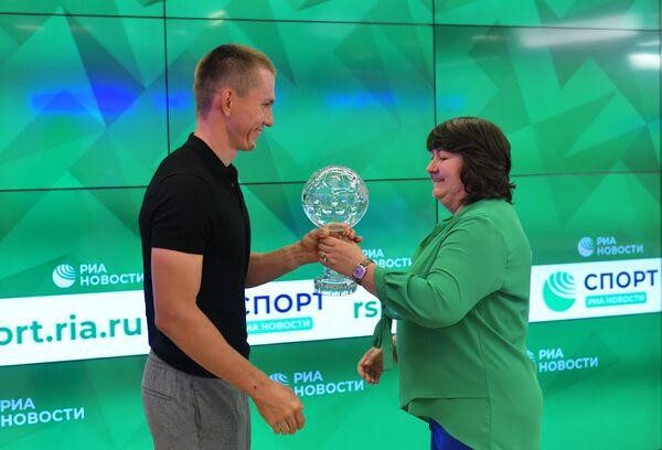 Александр Большунов и Елена Вяльбе