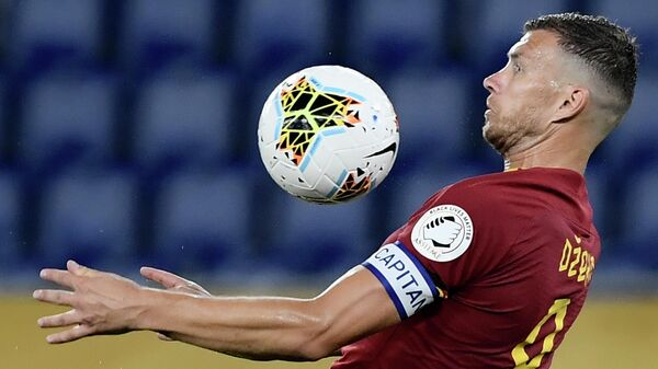 Нападающий ФК Рома Эдин Джеко