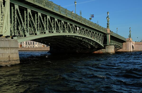 Троицкий мост через Неглинную в Санкт-Петербурге