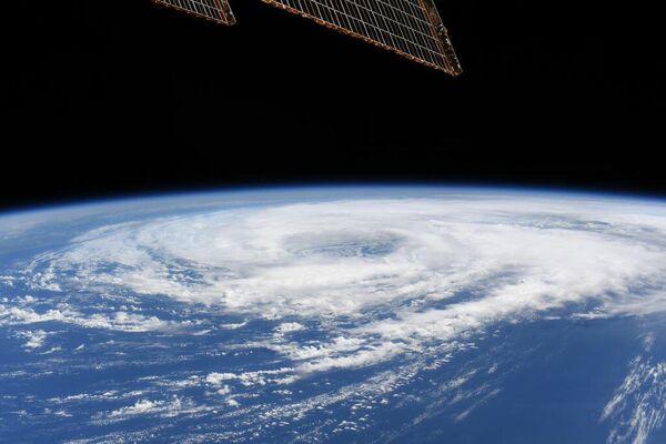 Тропический шторм приближается к побережью Мексиканского залива