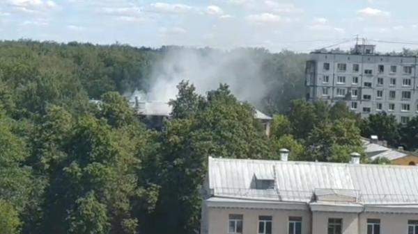 Пожар после взрыва газа в Москве