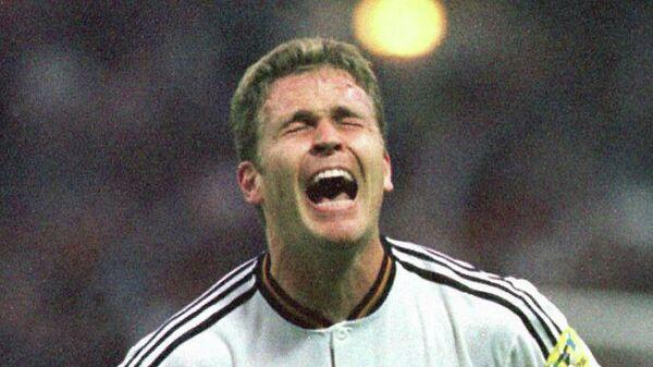 Оливер Бирхофф радуется голу в финале ЕВРО-1996