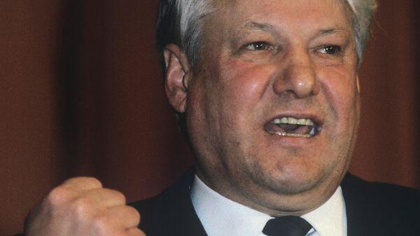 Первый секретарь МГК КПСС Борис Николаевич Ельцин на торжественном заседании, посвященном 70-летию Октябрьской революции