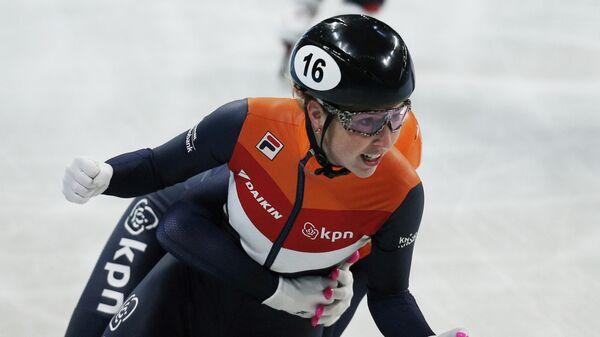 Голландская конькобежка Лара ван Рёйвен