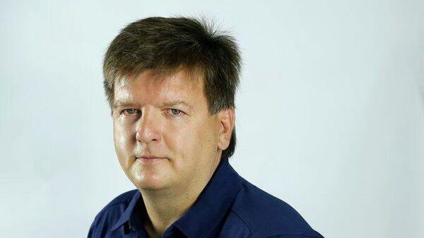 Тренер футбольного клуба Крылья Советов Юрий Нагайцев