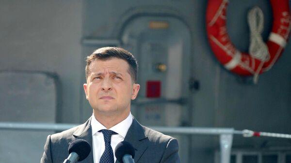 Президент Украины Владимир Зеленский принимает участие в военно-морском параде в честь Дня ВМС Украины