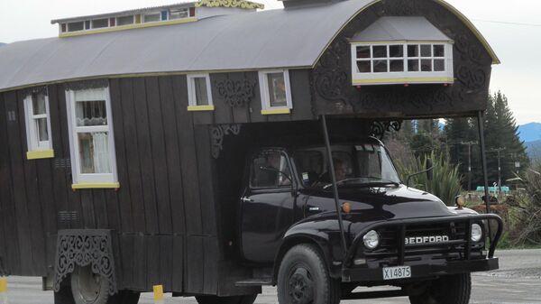 Старый дом на колесах (автокемпер). Его дизайн датируется началом 50-х годов ХХ века.