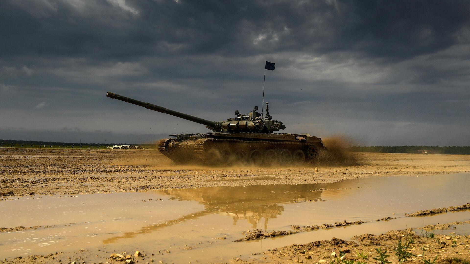 Танк Т-72Б3 во время учений Таманской дивизии на одном из полигонов Западного военного округа в Подмосковье - РИА Новости, 1920, 21.09.2020