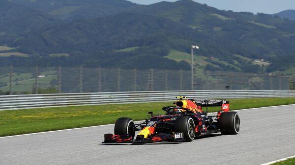 Пилот команды Формулы-1 Ред Булл Александр Албон на Гран-при Австрии