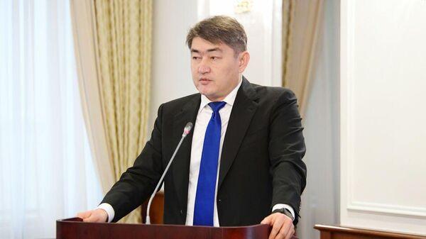Глава Фонда обязательного медицинского страхования Казахстана Айбатыр Жумагулов