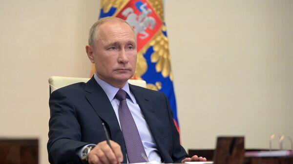 Путин подписал закон об усилении контроля за операциями с наличными