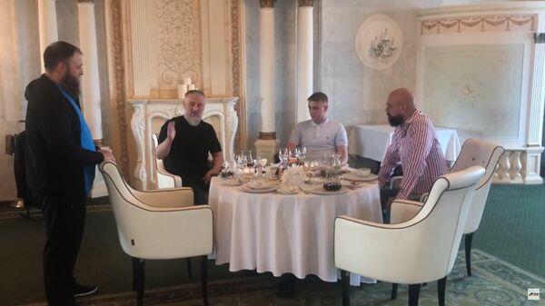 Чеченец извинился перед избитым им москвичом после вмешательства Кадырова