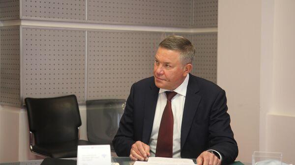 Губернатор Вологодской области Олег Кувшинников во время интервью
