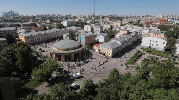 Район Замоскворечье в Москве. В центре: станция метро Новокузнецкая.