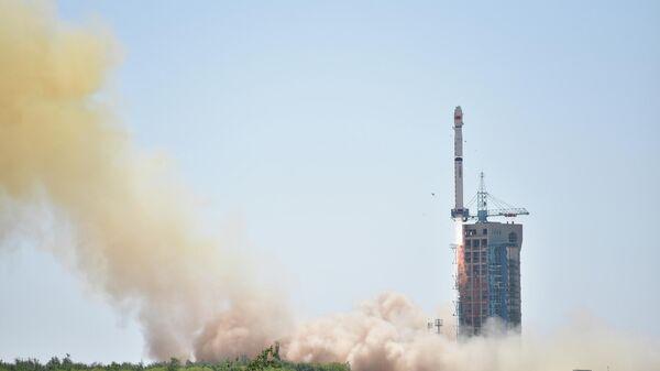 Запуск ракеты Чанчжэн-4B в Китае