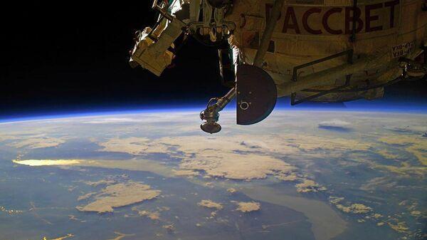 Рассвет над Байкалом с борта МКС