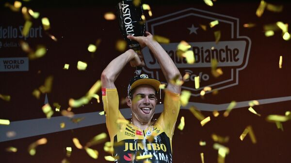 Бельгийский велогонщик команды Jumbo-Visma Ваут ван Арт