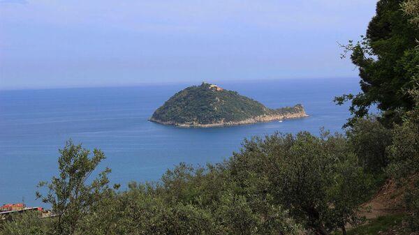 Итальянский остров Галлинара