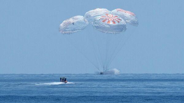 """Астронавт НАСА сравнил посадку Crew Dragon с нахождением """"внутри зверя"""""""