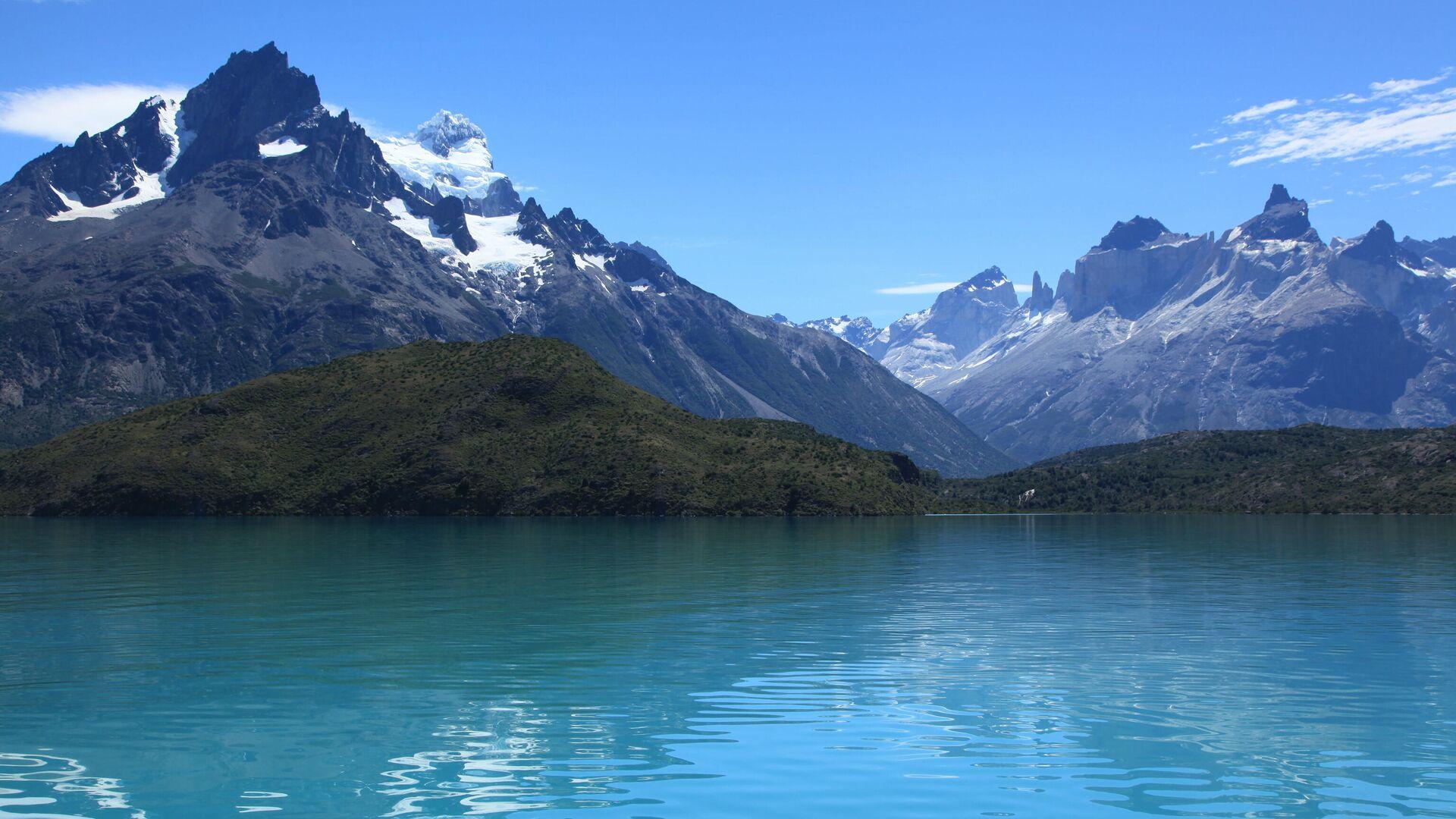 Озеро Пеоэ в национальном парке Торрес-дель-Пайне на юге Чили - РИА Новости, 1920, 24.01.2021