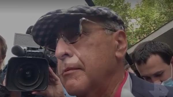 Добровинский хрюкнул на камеру в ответ на обвинения Ефремова