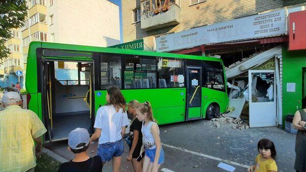 На месте ДТП  с участием автобуса в Тюмени