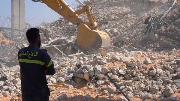 Разбор завалов после взрыва: в Бейруте продолжается спасательная операция