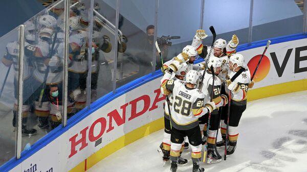 """""""Вегас"""" победил """"Колорадо"""" и сыграет с """"Чикаго"""" в 1-м раунде плей-офф НХЛ"""