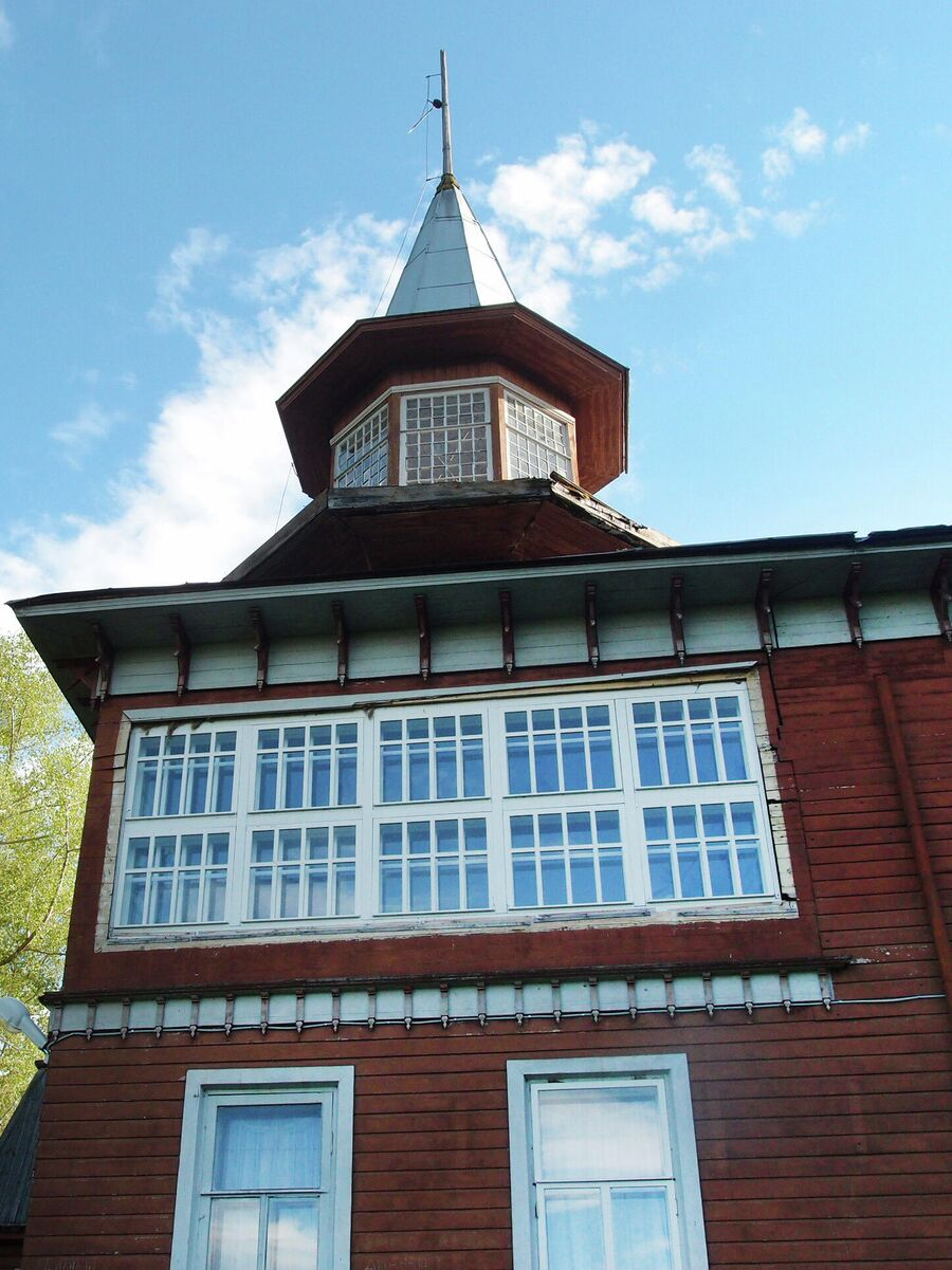 Северный фасад и башенка