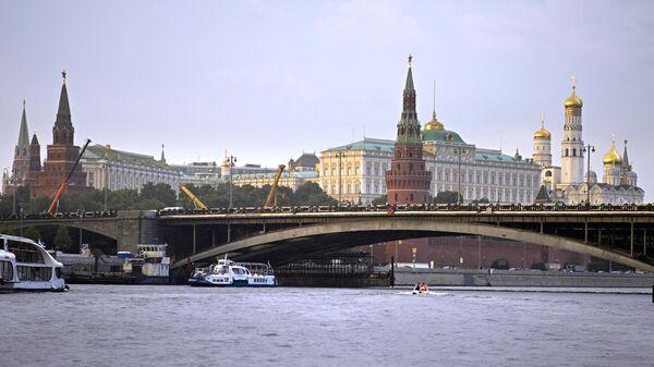Большой каменный мост у Кремля