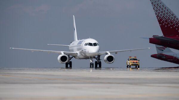 Пассажирский авиалайнер авиакомпании ИрАэро