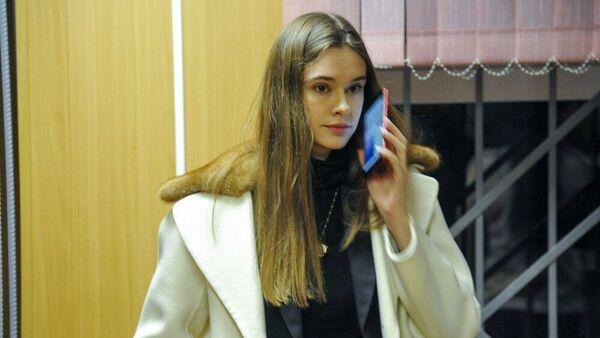 Фотомодель Ольга Синтюрева в Пресненском суде