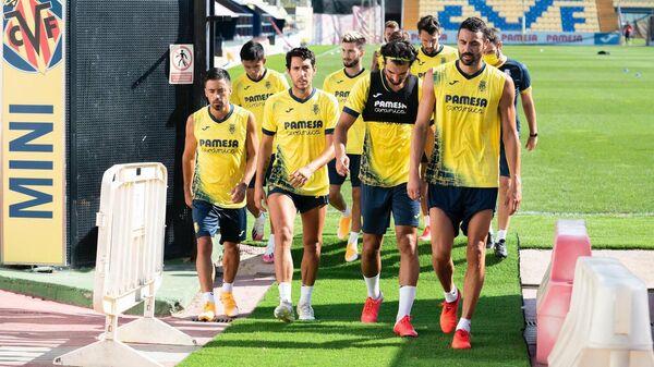 Футболисты Вильярреала на тренировке