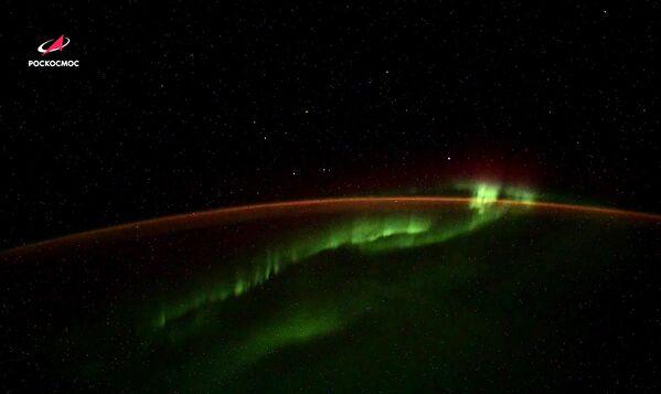 Неизвестные объекты замечены космонавтом Роскосмоса при съемке северного сияния с борта МКС