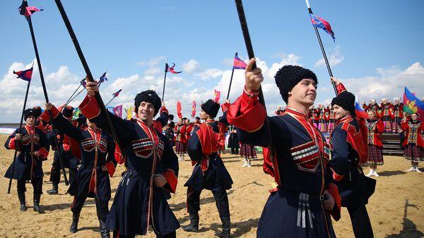Участники фестиваля традиционной народной культуры Казачья слава