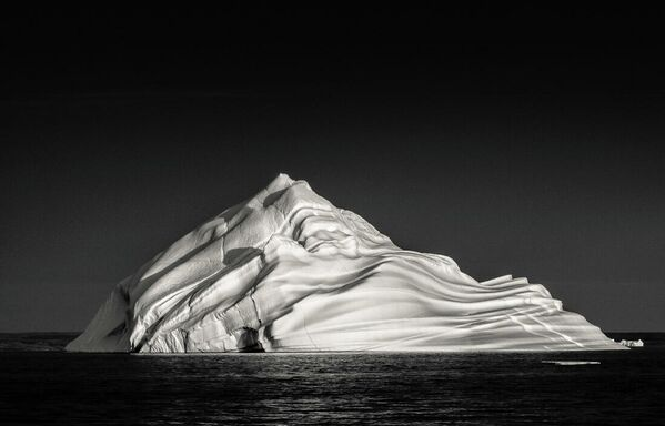 Geffrard Bourke. Работа участника конкурса Minimalist Photographer Of The Year 2020