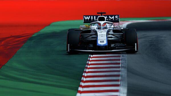 Пилот команды Формулы-1 Уильямс во время гонки