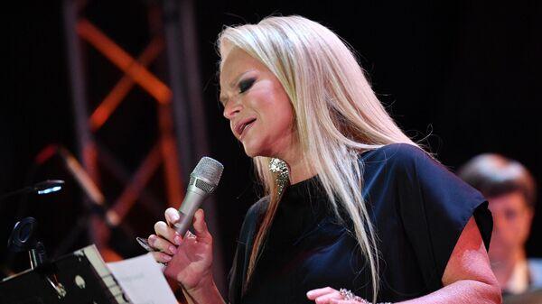 Певица Лариса Долина выступает на Международном музыкальном фестивале Koktebel Jazz Party - 2020 в Крыму
