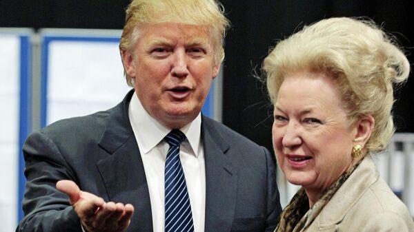 Дональд Трамп и его сестра Мэриэнн Трамп-Бэрри