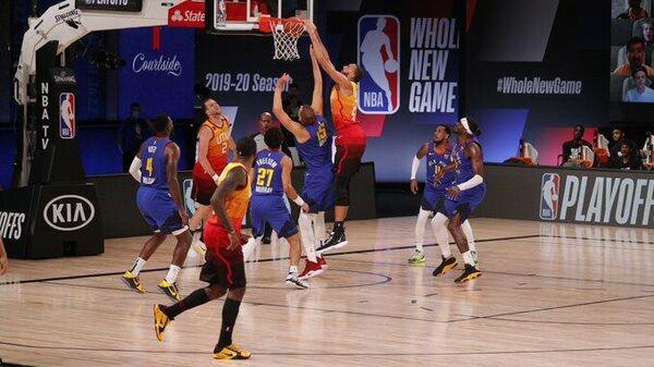 Матч НБА между клубами Юта Джаз и Денвер Наггетс