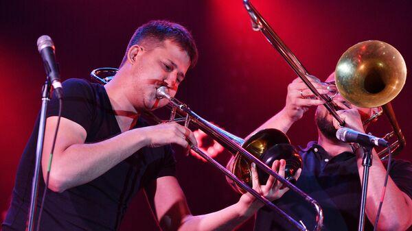 Музыканты SG BIG BAND выступают на Международном джазовом фестивале Koktebel Jazz Party - 2020 в Крыму