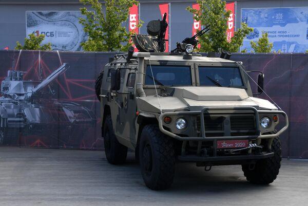 Бронеавтомобиль Тигр-М на выставке вооружений Международного военно-технического форума (МВТФ) Армия-2020 в военно-патриотическом парке Патриот