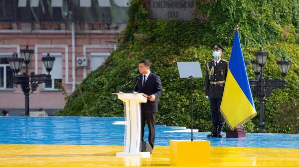 Президент Украины Владимир Зеленский на торжественном мероприятии на Софийской площади в Киеве в честь Дня независимости Украины