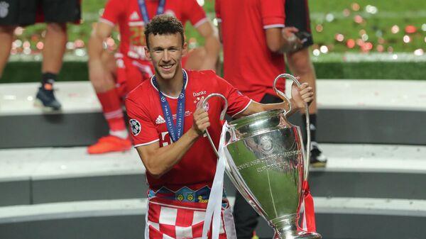 Иван Перишич с трофеем Лиги чемпионов