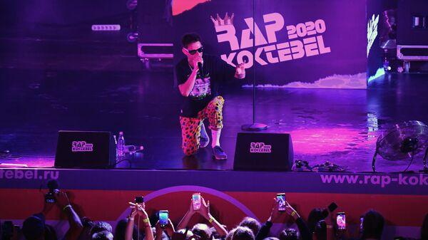 Рэпер Павел Кравцов (Кравц) выступает на фестивале Rap Koktebel в Крыму.