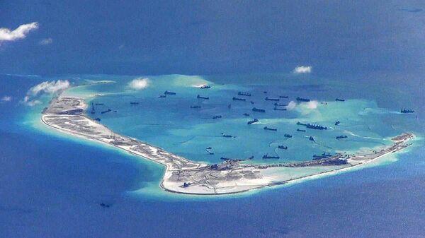 Строительство искусственного острова в Южно-Китайском море