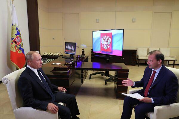 Президент РФ Владимир Путин во время записи большого интервью по актуальным темам ведущему ВГТРК Сергею Брилеву