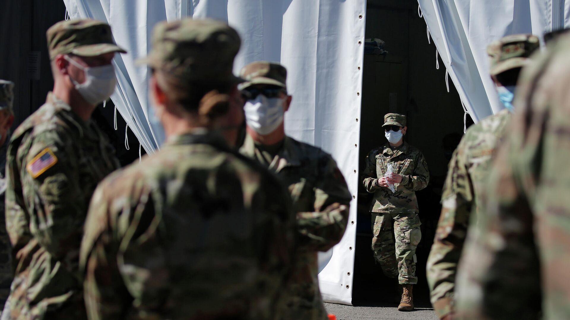 Военнослужащие армии США проходят тестирование на коронавирус в Лас-Вегасе  - РИА Новости, 1920, 17.11.2020