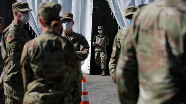 Военнослужащие армии США проходят тестирование на коронавирус в Лас-Вегасе
