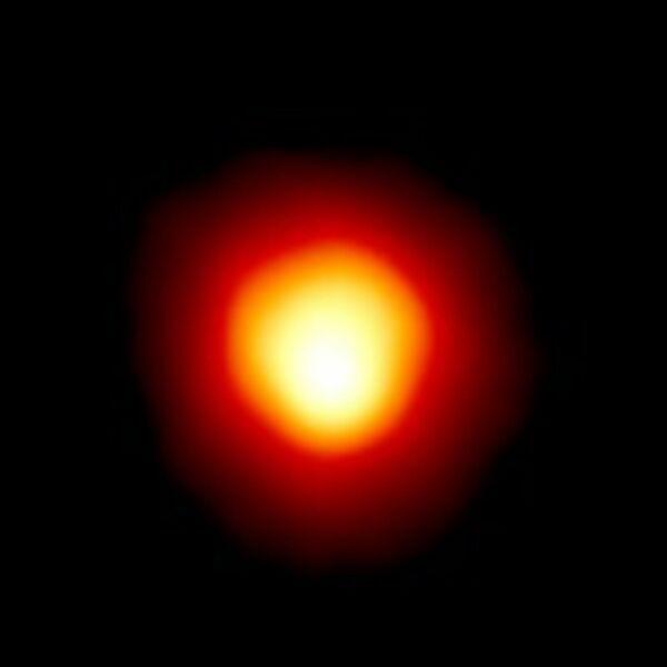 Звезда Бетельгейзе (Альфа Ориона)